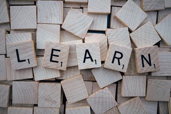 어떤 직업이든 배움이 없는 직업은 없다. 좋은 기술이나 직업을 갖는냐보다 더 중요한 것은 이를 대하는 본인의 태도다. 꿈속에서조차 배우기를 소망한다면 우리는 직업의 귀천이나 직급을 막론하고 주체적인 상황을 만들어낼 수 있다. [사진 pexels.com]