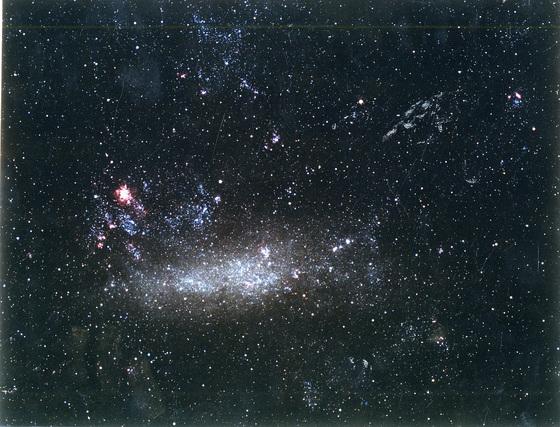 미국 클렌슨대 마르코 아옐로 박사 연구진은 미항공우주국(NASA)의 페르미 감마선 우주망원경을 이용해, 광자의 총합이 4X10의 84제곱개이며 빅뱅 이후 가장 많은 별이 태어난 시기가 약 100억년 전인 것을 규명해냈다. [중앙포토]