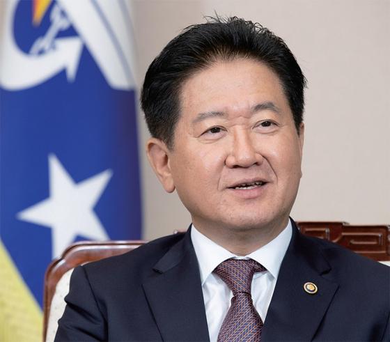 서주석 국방부 차관이 10월 9일 서울 용산구 국방부 청사에서 월간중앙과 인터뷰하고 있다.