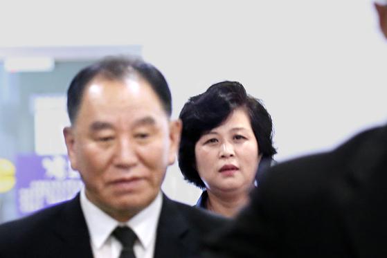 김영철 북한 노동당 부위원장 겸 통일전선부장, 김성혜 통일전선부 통일전선책략실장. [연합뉴스]