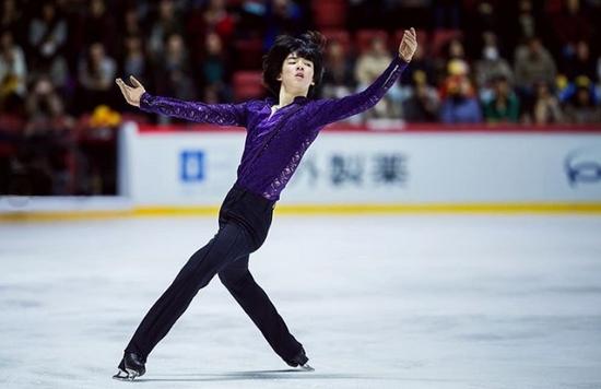 만 17세에 2018 ISU 시니어 그랑프리 파이널 남자 싱글에 출전하게 된 차준환. 국제빙상경기연맹 제공