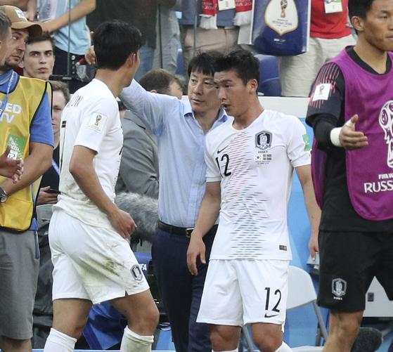 지난 6월 러시아월드컵 본선 조별리그 1차전 스웨덴전에서 뛴 김민우. 그는 상주 상무 소속으로 월드컵에 나섰다. [연합뉴스]