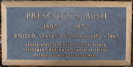 조지 HW 부시의 아버지인 프레스컷의 묘비. 예일대를 졸업하자마자 입대해 제1차 세계대전에 참전했던 프레스컷의 묘비엔 군인(soldier)이란 단어가 선명하게 적혀 있다. [위키피디아]