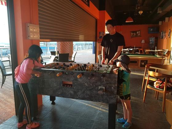 김진성씨가 두 아이와 여행 가서 함께 찍은 사진. [사진 김진성]