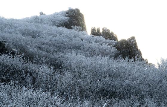 서석대 인근의 눈꽃 풍경.