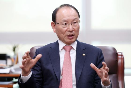 더불어민주당 최운열 의원이 중앙일보와 인터뷰하고 있다. 변선구 기자