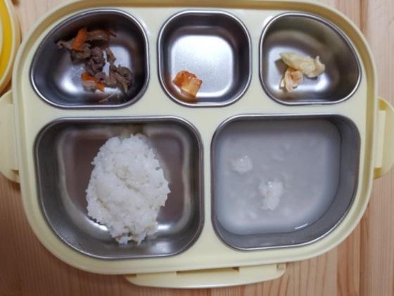 인천 남구의 한 어린이집 급식 사진.해당 기사 내용과 관련 없음. [사진 '보배드림' 캡쳐]
