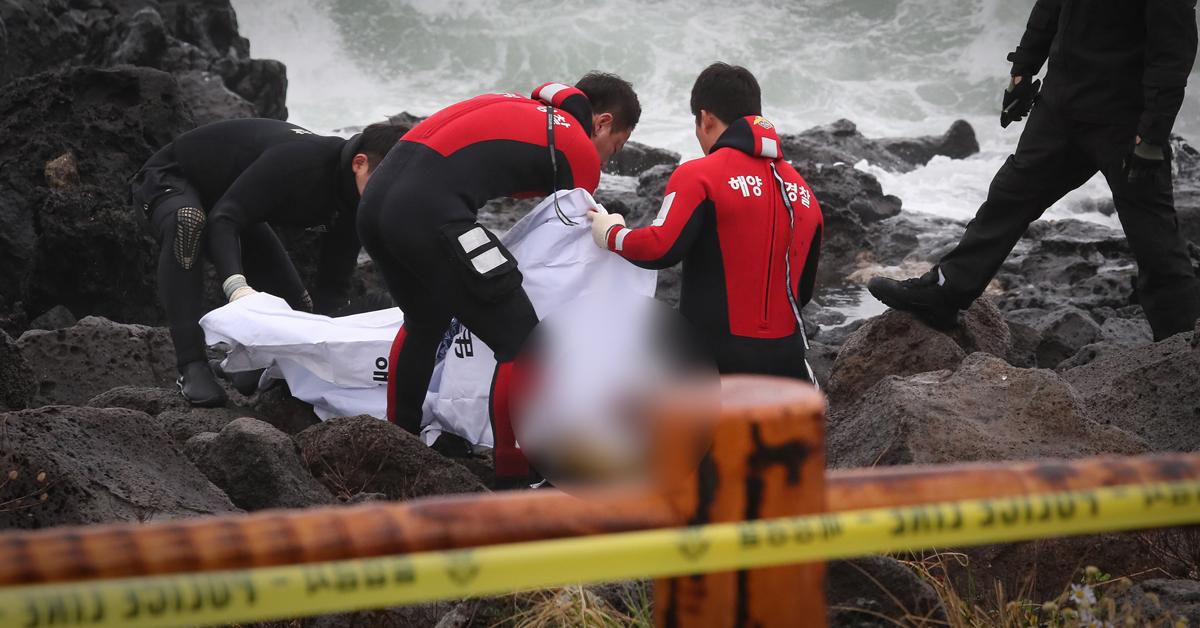11일 20대 남성이 숨진 채 발견된 제주시 애월읍 가문동 해안가. [사진 제주해양경찰서]