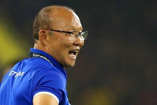 박항서 감독이 이끄는 베트남은 11일 스즈키컵 결승 1차전 말레이시아와의 원정 경기에서 2-2 무승부를 기록했다. 베트남은 대회기간 동안 7경기 5승 2무로 무패행진 중이다. AFF 제공