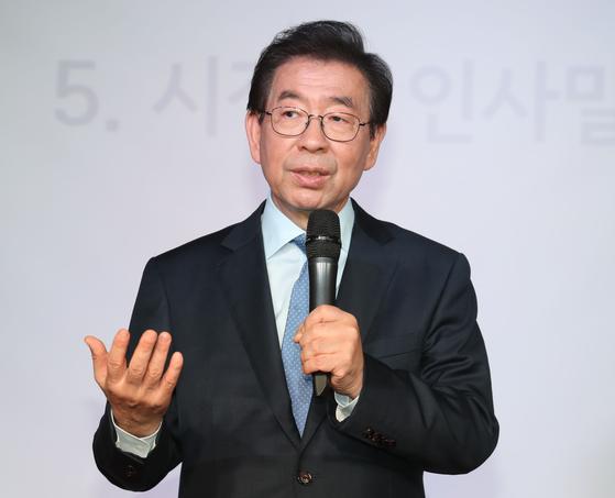 박원순 서울 시장이 1박2일간 중랑구 현장 방문하고 지역 주민과 소통한다. [연합뉴스]