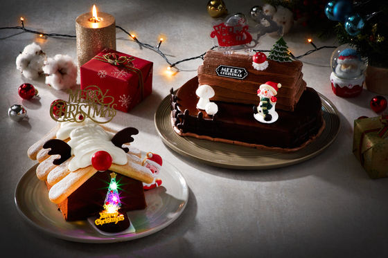 파리바게뜨는 이번 크리스마스 시즌을 겨냥해 조명이 들어오고 캐럴도 흘러나오는 케이크를 출시했다. [사진 SPC]