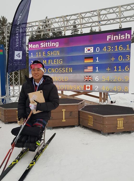 15일 핀란드 부오카티에서 열린 세계장애인 노르딕스키 월드컵 바이애슬론 좌식 12.5㎞에서 금메달을 따낸 신의현. [사진 대한장애인노르딕스키연맹]