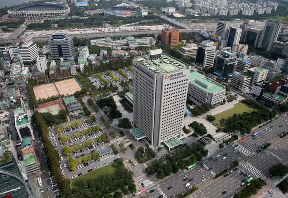 현대차그룹이 한전 부지를 매입해 105층 통합 신사옥을 건설한다고 발표한 삼성동 부지. [연합뉴스]