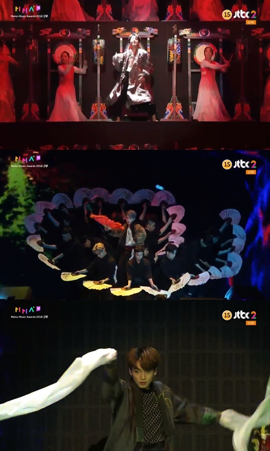 방탄 멤버 제이홉이 삼고무 공연단 속에서 한복을 입은 채 팝핀 댄스를 선보였다. [방송화면 캡처]