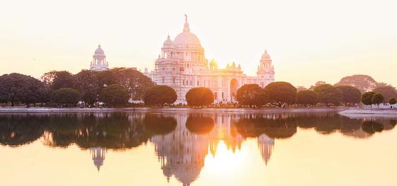 롯데관광은 인도여행의 최적기인 내년 2월 25일 단 1회 출발하는 인도 갠지스 리버크루즈 상품을 판매한다. [사진 롯데관광]