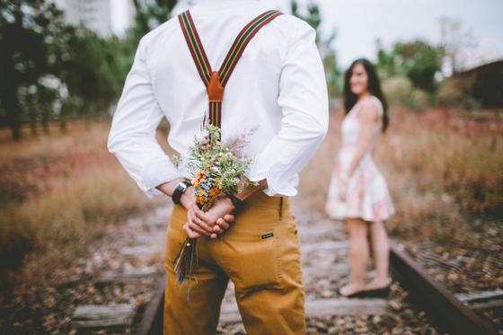 내가 콜라텍에 다니면서 남녀의 '사랑 한살이'에 관심을 갖고 관찰하고 추리하다 보니 되다 보니 남녀 두 사람의 행동을 보면서 대시하는 단계, 사랑이 무르익는 단계, 이별하겠구나 하는 기운이 느껴진다. [사진 pixabay]