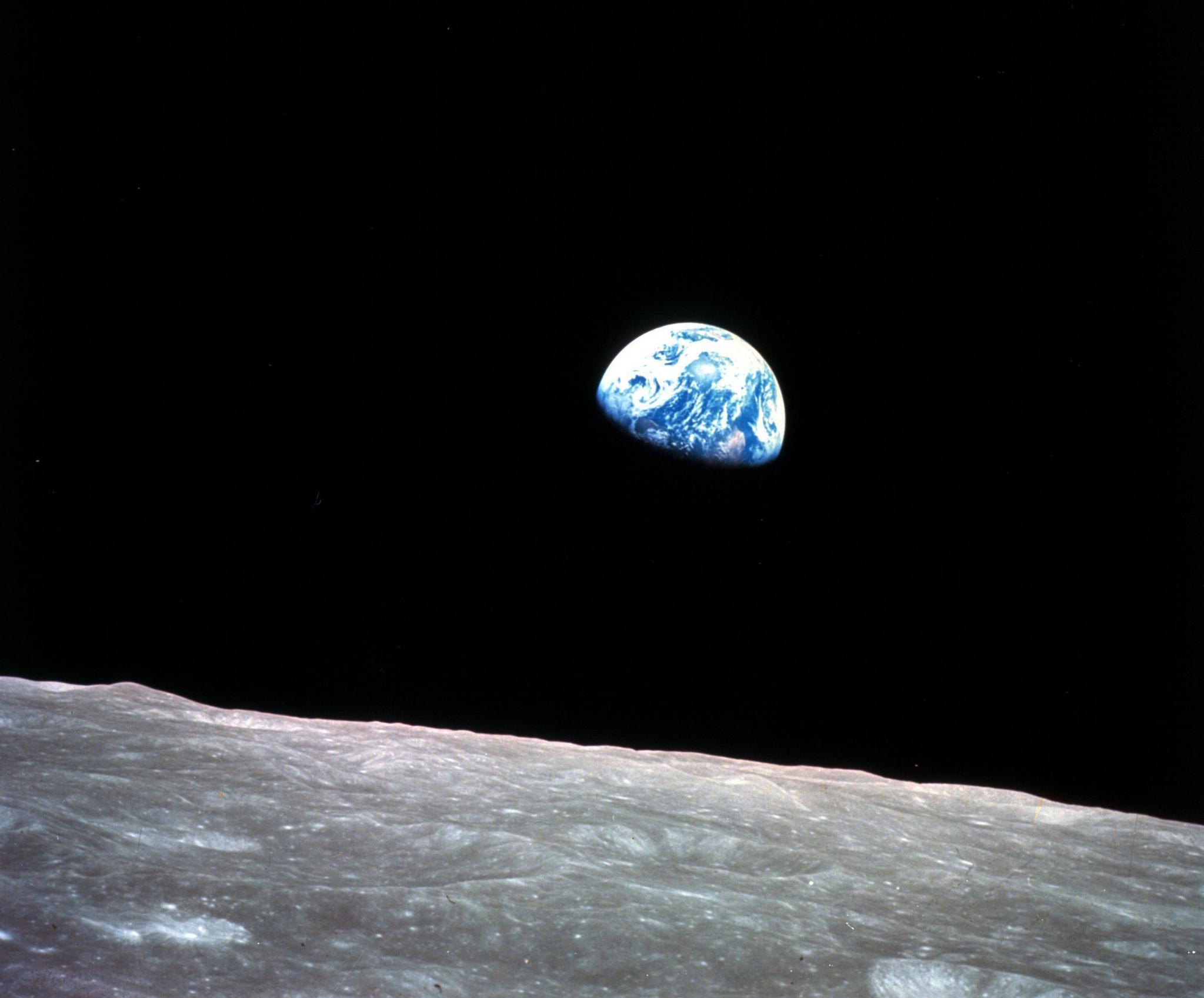 아폴로 8호 우주비행사 앤더스가 촬영한 지구사진. (William Anders/NASA via Ap)
