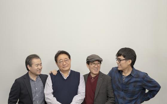 다음 달 열리는 '동갑, 동감' 콘서트를 앞두고 모인 하덕규, 이정선, 유지연, 함춘호. [사진 안나푸르나]