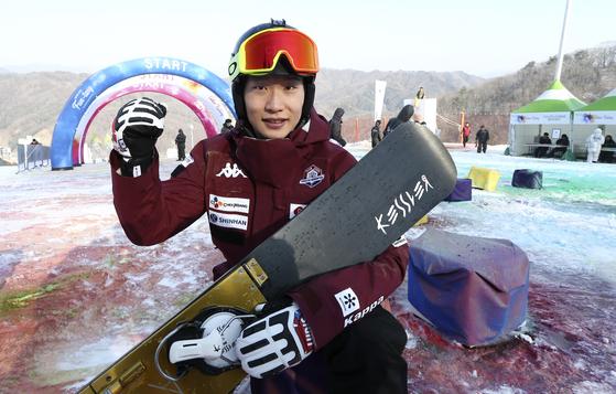 평창올림픽 스노보드 은메달리스트 이상호가 22일 평창 휘닉스 스노우파크에서 열린 '컬러라이딩'에 참가했다. 평창=[임현동 기자]
