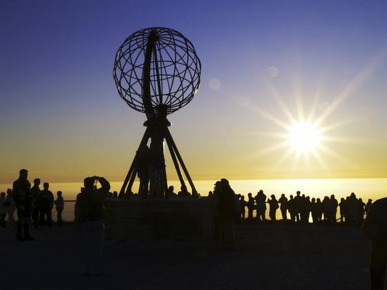 노르웨이 최북단, 북위 70도의 노르캅 고원은 이색 해돋이 명소로 인기다. [사진 노르웨이관광청]