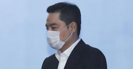 사문서 위조 혐의로 기소된 강용석 변호사.[연합뉴스]