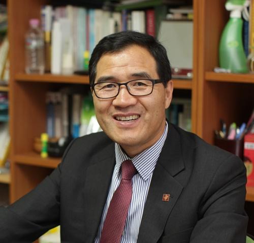 염철현 고려사이버대 평생·직업교육학과 교수