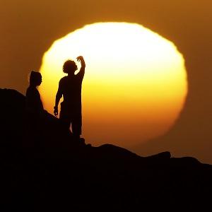 동굴소년들, 깡통의족 소녀…슬픔도 기쁨도 너희가 희망이다