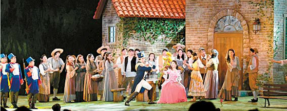 마포문화재단은 '꿈의 무대'와 'M-PAT클래식음악축제'를 성공적으로 운영해 왔다.