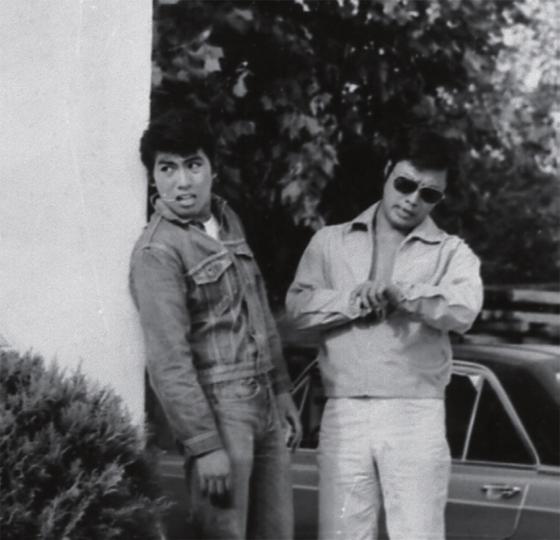 영화 [기러기 남매](1971)에 함께 출연한 남진(오른쪽)과 나훈아. 반항아 느낌이 물씬 풍긴다.