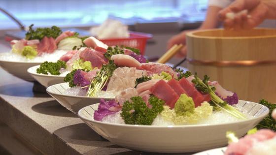 정두언 전 의원의 일식집에서 파는 음식들. 공성룡 기자