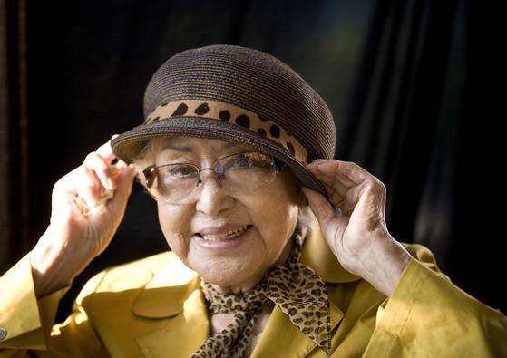 영화같은 삶을 살다 92세로 타계한 배우 최은희. [중앙포토]
