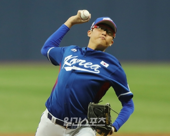 박세웅은 지난 2017년 11월 아시아프로야구챔피언십 대회에 선발로 나서며 자질을 인정받았다. 하지만 국제대회 참여 후 정규시즌에선 부상으로 별다른 활약을 보이지 못했다.