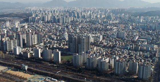지난달 30일 오전 서울 강동구 일대의 아파트 단지 전경 [연합뉴스]