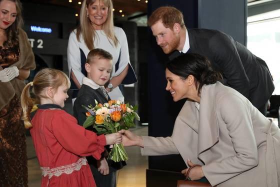 북아일랜드 벨파스트를 방문한 해리 왕자와 마클 [EPA=연합뉴스]