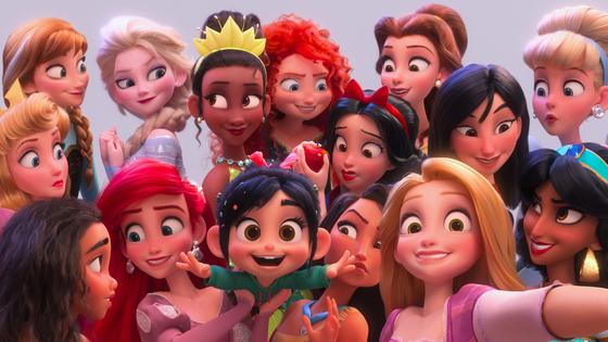 디즈니 공주 14명이 카메오로 총출동한 디즈니의 새 애니메이션 '주먹왕 랄프2'. [월트디즈니컴퍼니 코리아]