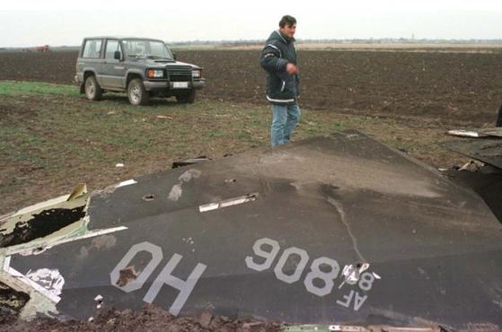 1999년 3월 27일 세르비아에 추락한 F-117의 잔해. [사진 Aviationist]