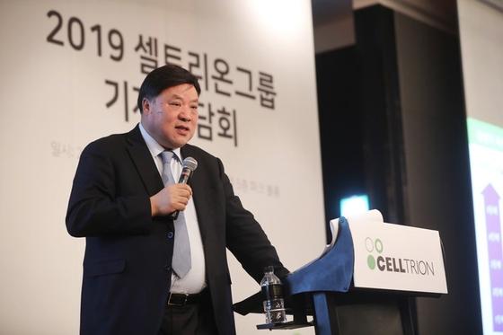 서정진 셀트리온 회장이 4일 기자간담회를 통해 2020년말 은퇴를 밝혔다.[사진 셀트리온]