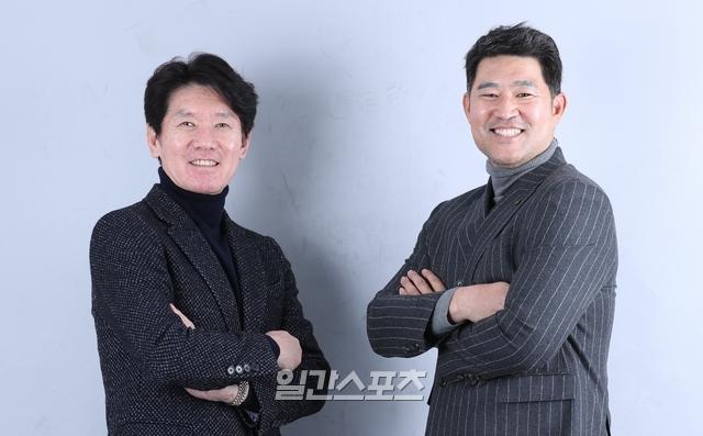 kt 이강철 신임 감독(왼쪽)과 이숭용 신임 단장