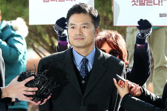 청와대 특감반의 민간인 사찰 의혹을 제기한 김태우 수사관.                [장진영 기자]