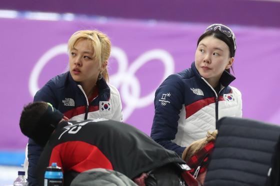 평창올림픽 팀추월에 함꼐 출전했던 김보름(왼쪽)과 노선영. [뉴스1]