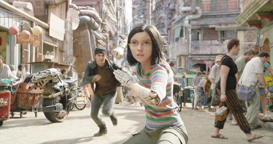 다음달 개봉하는 26세기 배경의 SF 액션 영화 '알리타:배틀 엔젤'. [사진 이십세기폭스코리아]