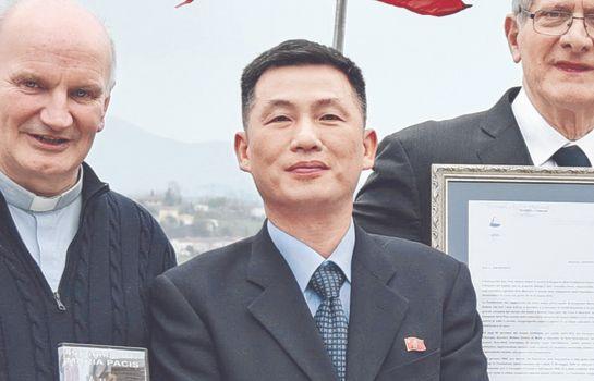 지난해 11월 초 이탈리아 주재 북한 대사관에서 잠적한 조성길 대사 대리 [AP=연합뉴스]