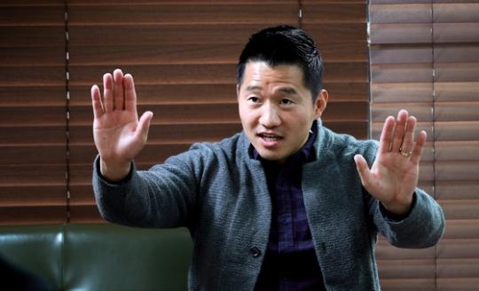 일명 '개통령'이라고 불리는 강형욱 동물훈련사. 임현동 기자