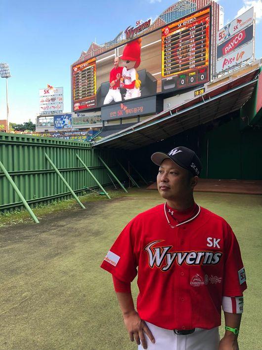 2019년 SK 2군 매니저를 맡게 된 나카니시 카즈미. KBO 리그 역사상 순수 외국인이 1,2군 매니저를 맡는 건 카즈미가 처음이다. IS 포토