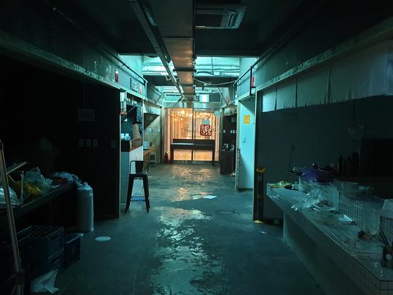 2017년 진주 중앙시장에 문을 연 '청춘다락'. 당초 점포 14곳 중 2곳만 남았다. [위성욱 기자]
