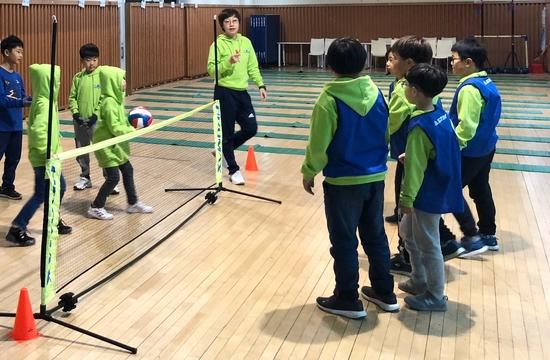 토토 PLAY WITH 스포츠 프로그램에 참여하고 있는 도담지역아동센터 아동들. 케이토토 제공