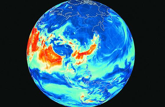 전국 에 미세먼지 비상저감조치가 시행된 15일 세계 기상 정보를 시각화해 나타내는 비주얼 맵인 어스널스쿨로 확인한 이날 오후 2시 한반도의 초미세먼지 대기상황. [뉴스1]