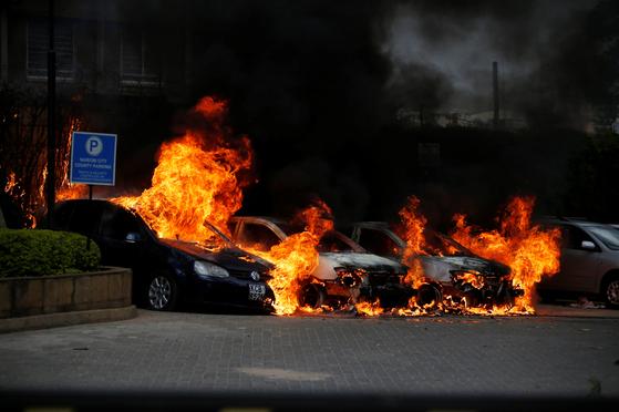 케냐 수도 나이로비의 상업단지에서 15일(현지시간) 총격과 테러 공격이 발생해 다수 인명피해가 발생했다. [로이터=연합뉴스]