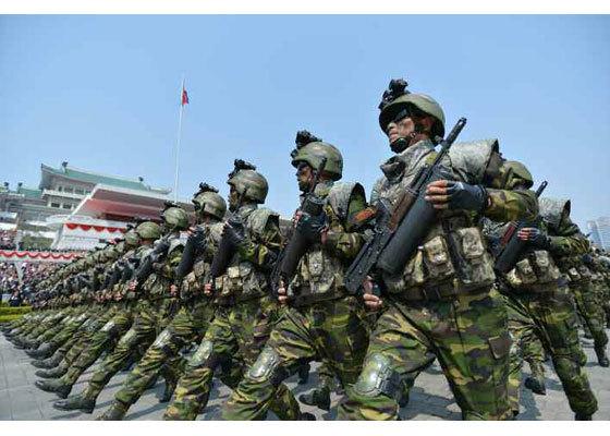 북, 요인 암살 부대 창설…국방백서에 본 북한군 전력