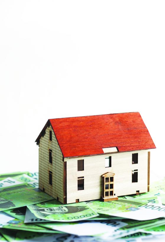 빚 못 갚는 주택담보대출자, 경매 대신 채무조정으로 집 지킨다